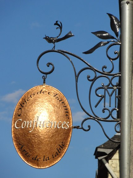 Chinon shop sign