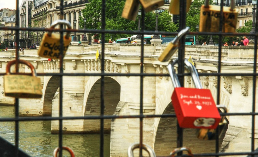 Love Pont Neuf