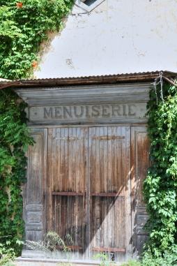 Abandoned menuiserie