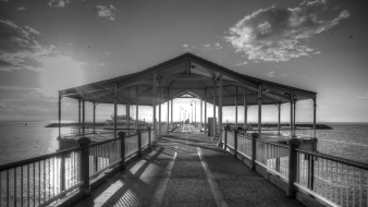 redcliffe-pier-b&w