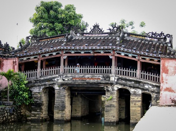 Japanese covered bridge Hoi An Vietman