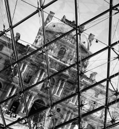 the-louvre-under-glass