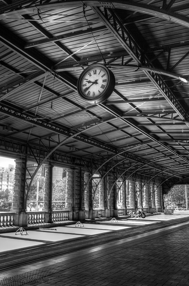 Central Station Sydney – Monochrome Madness Week 34