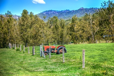 tractor-paddock-lost-valley