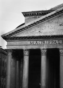 Pantheon-rome-front