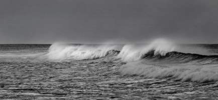 Currumbin-beach-wave-spray