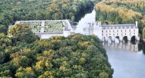 chenonceau-castle-loire-valley