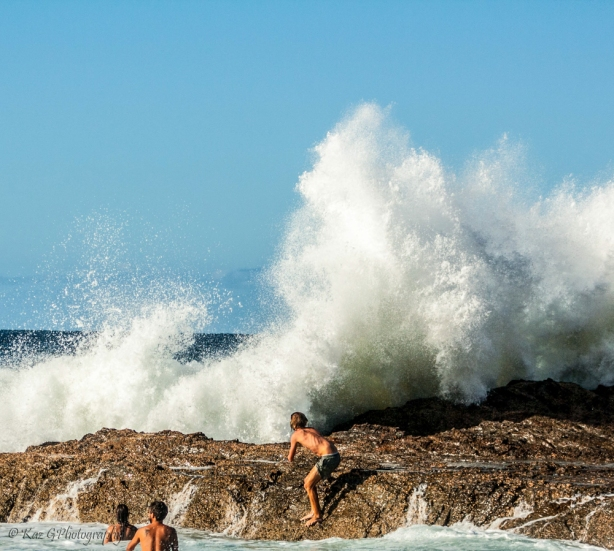 Snapper Rocks brave the surf