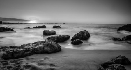 kirra beach sunset B&W-1